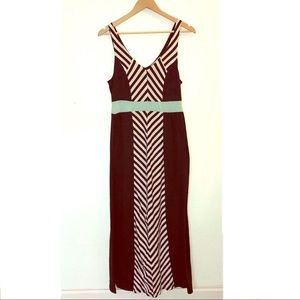 Maxi Dress with Center Chevron Pattern